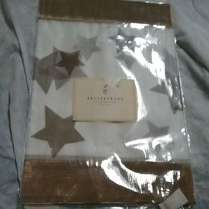 Pottery Barn 16×19 Silk Gold Star Table Runner NEW